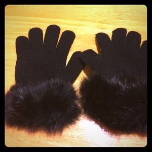 Accessories - Gloves-black knit with fur on cuffs